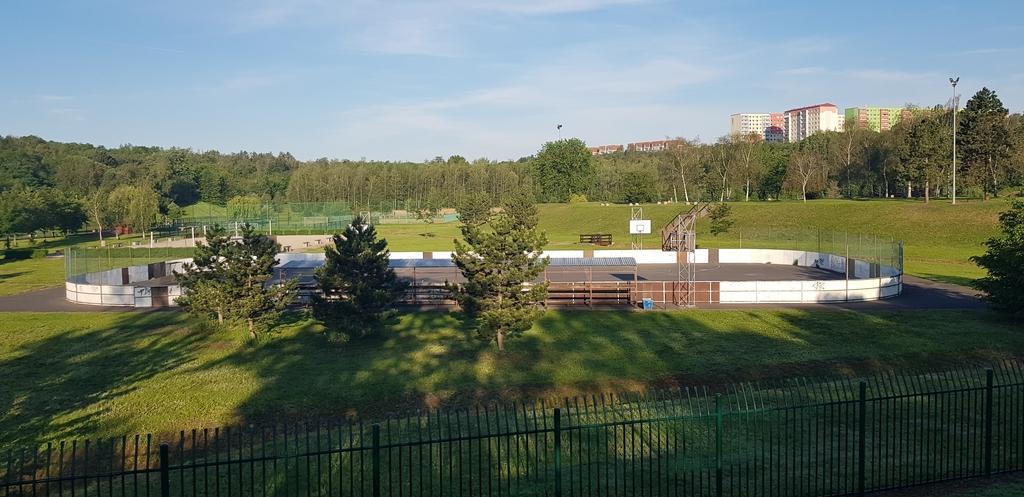Hokejové a basketbalové hřiště - Benedikt Most